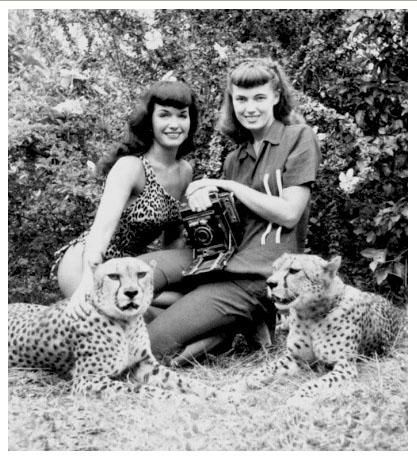 Bettie Page and Bunny Yeager at the Africa U.S.A. theme park.