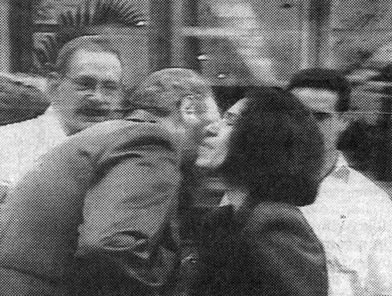Magda Montiel Davis kisses Fidel Castro