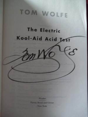 Tom Wolfe's flamboyant signature, circa 2012.