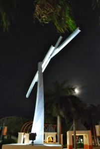 """I Ching"" by Jeff Kahn. All sculptures in this slideshow are on display in Boynton Beach. Each is numbered so you can find them on the map below. This is #2."