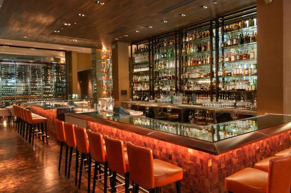 Bar and Lounge at BOURBON STEAK Miami