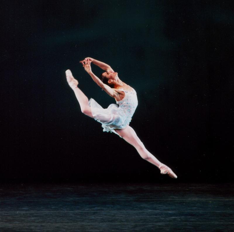 Mary Carmen Catoya in Ballo della Regina