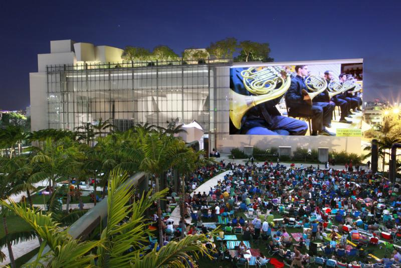 New World Symphony's real-time Wallcast has 167 speakers in the park.