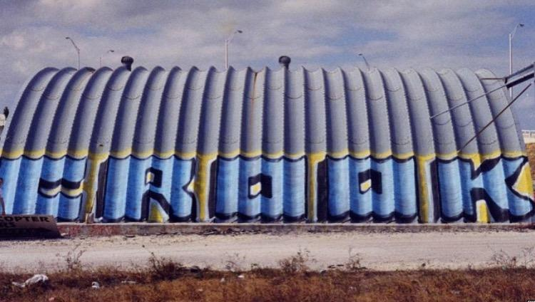 A Crook mural in Watson Island, 1999.