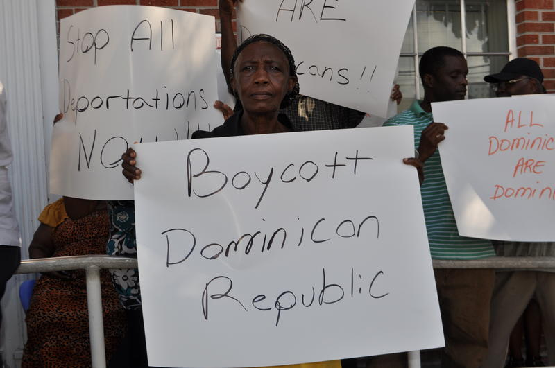Protesters in Little Haiti fear Haitian living in Dominican republic will face mass deportations.