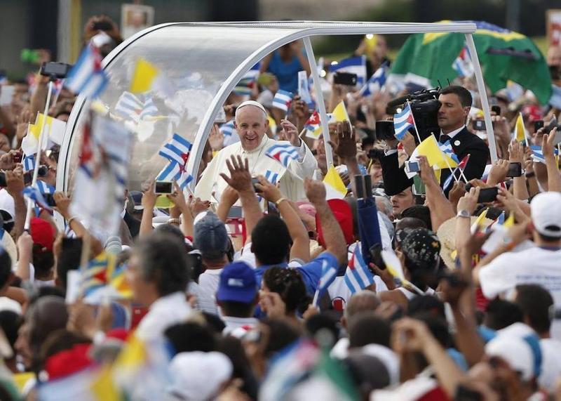 Pope Francis arrives in his popemobile to celebrate Mass at the Plaza de la Revolución in Havana, Cuba, on Sunday.
