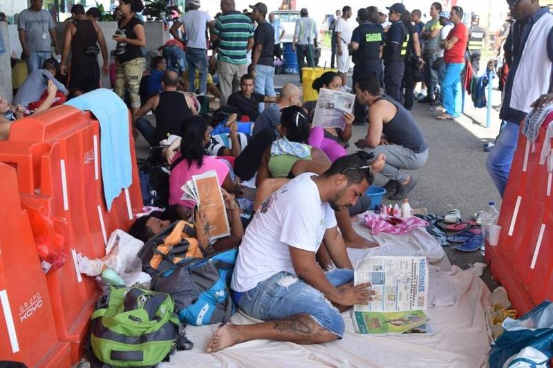Cubans camp out at the Peñas Blancas border crossing in Costa Rica. Many of the migrants have been there since the weekend, when Nicaragua closed its border to Cubans.