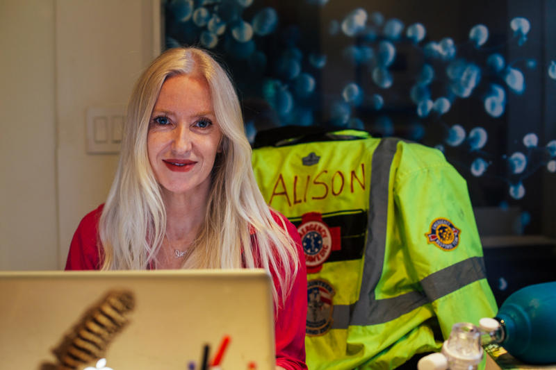 Alison Thompson, an Austrailian-born paramedic, in her Miami home office.