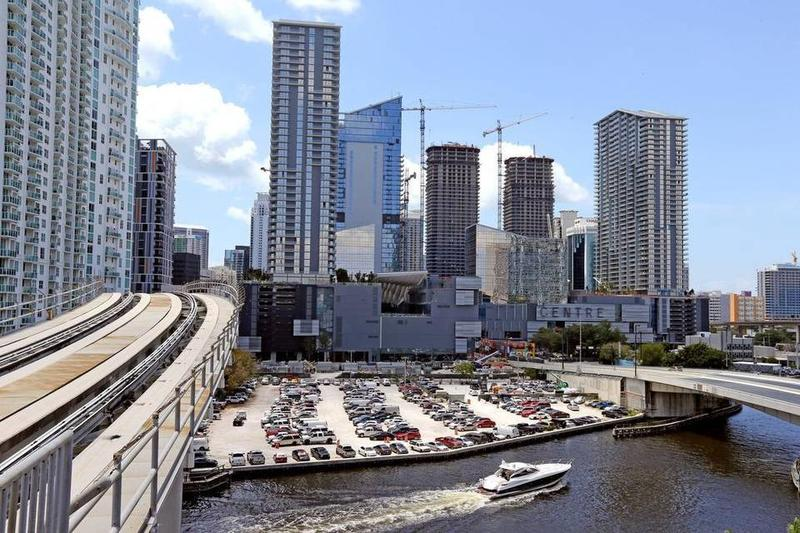 Brickell City Centre, the massive new project in downtown Miami, includes an open-air shopping center, two luxury condo towers, upscale hotel and class-A office buildings.