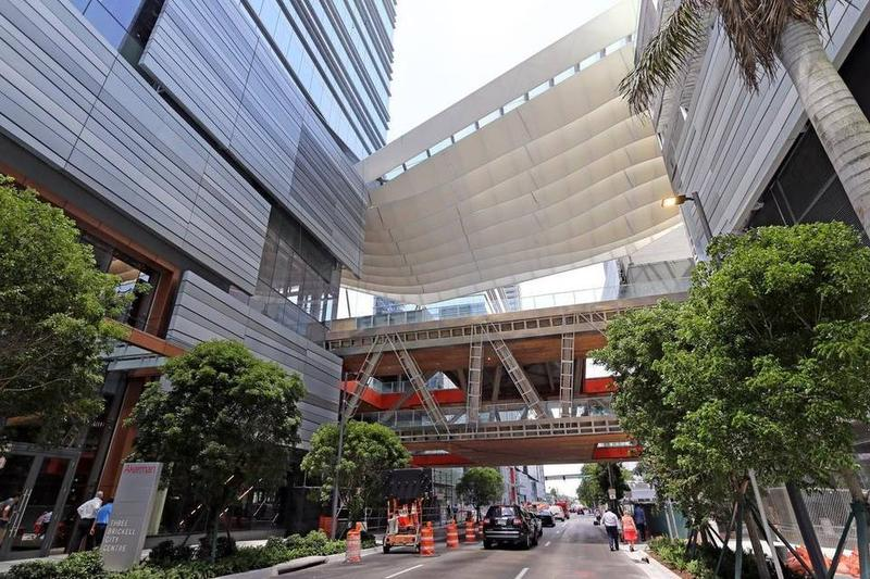 Swire built platforms that link shops, restaurants, hotel and other buildings.