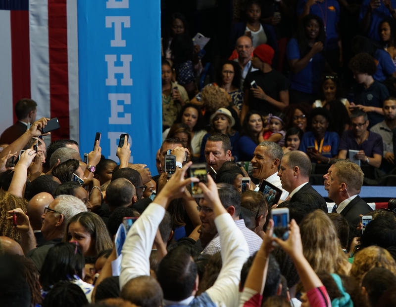 Hundreds of people came close to the stage trying to shake president Obama's hands at the end of the rally in Miami Gardens.