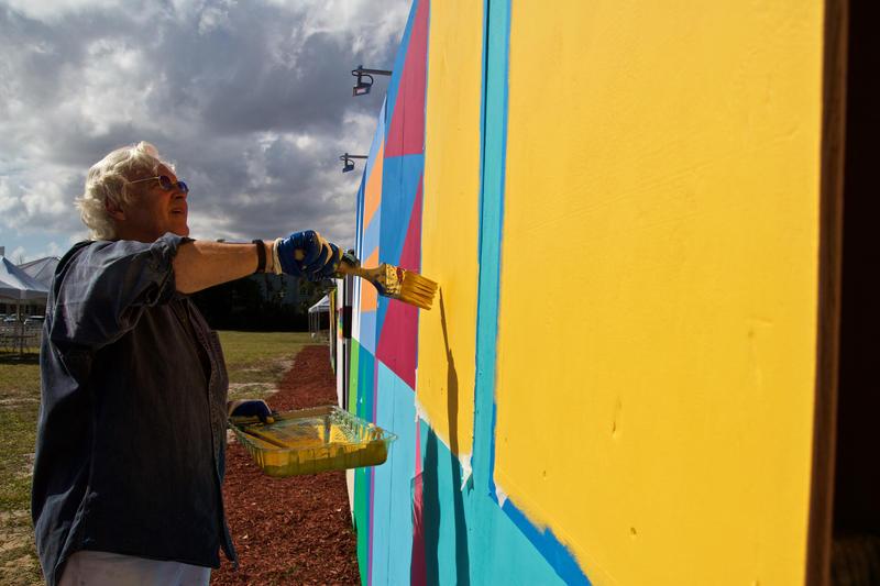 West Palm Beach artist Ron Burkhardt works in bright colors. Nov. 10, 2016.