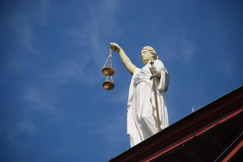 The Florida Bar Foundation is trying to figure out how many people in Miami-Dade County represent themselves in court.