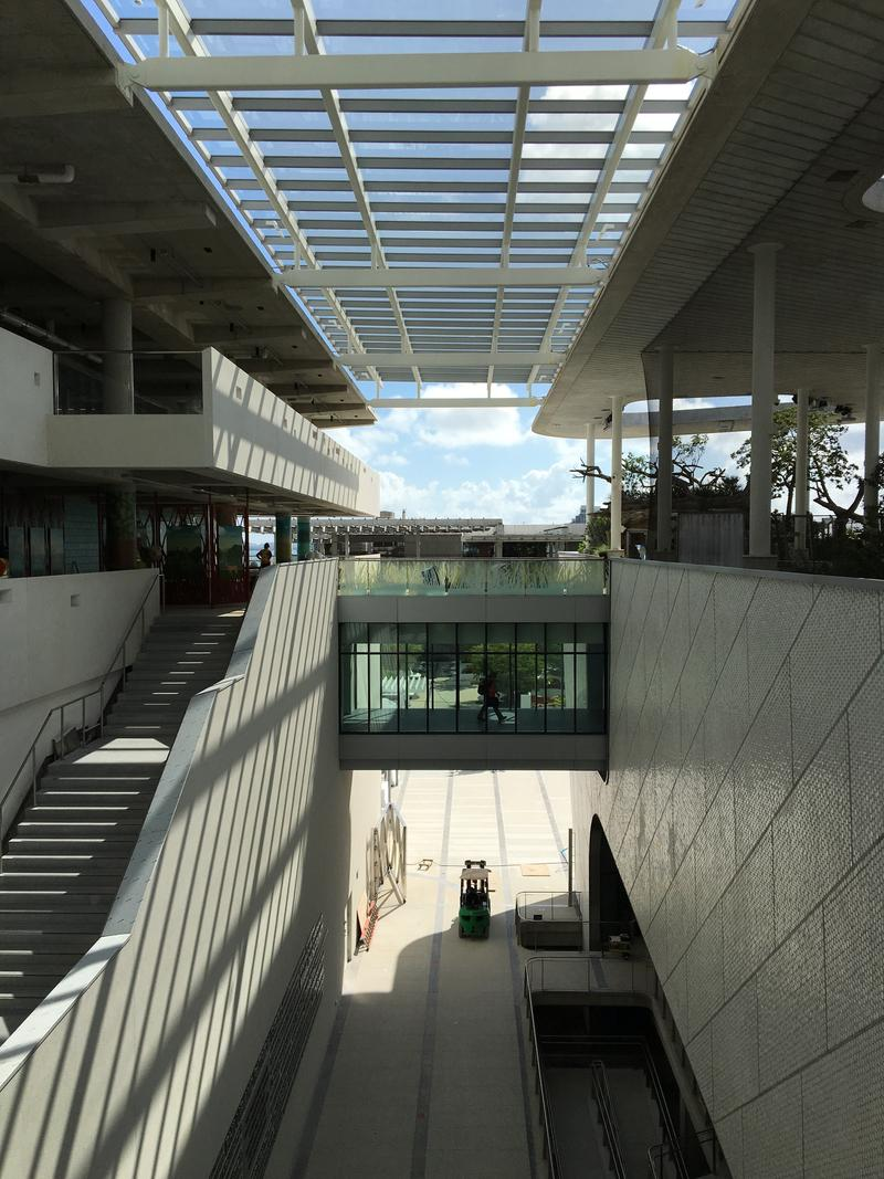 The covered outdoor breezeway between the aquarium and north buildings.