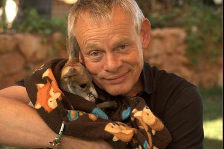 Clunes hangs out with Kangaroo Joey in Islands of Australia