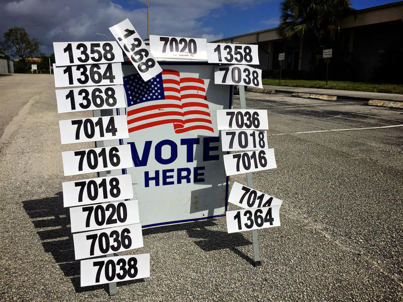 A Riviera Beach polling location. Nov. 8, 2016.