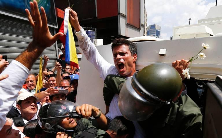 Leopoldo Lopez turned himself in on Feb. 18, 2014.