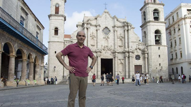 Weekend In Havana, Geoffrey Baer at Plaza de la Catedral