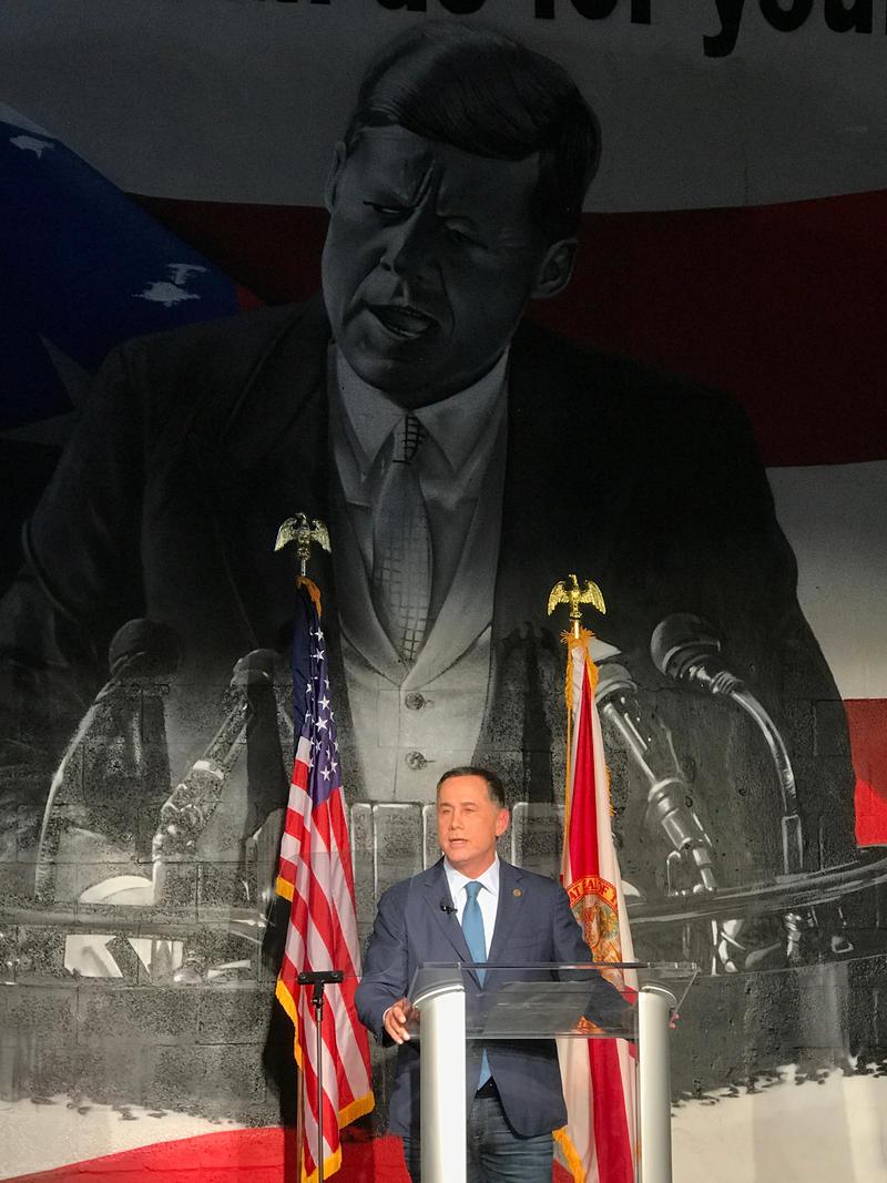 Miami Beach Mayor Philip Levine announces his Democratic campaign for Florida governor on Nov. 1.