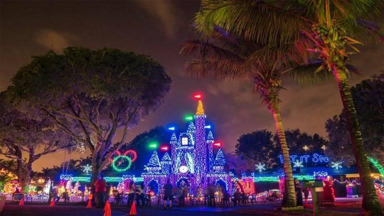 kendall christmas castle - Animated Christmas Light Displays
