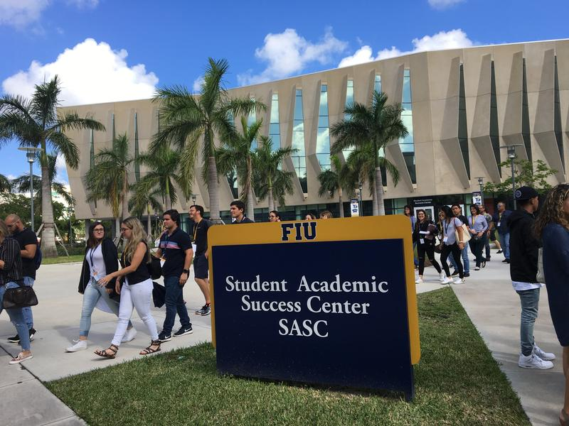 Displaced Puerto Rican students taking a tour of Florida International University.