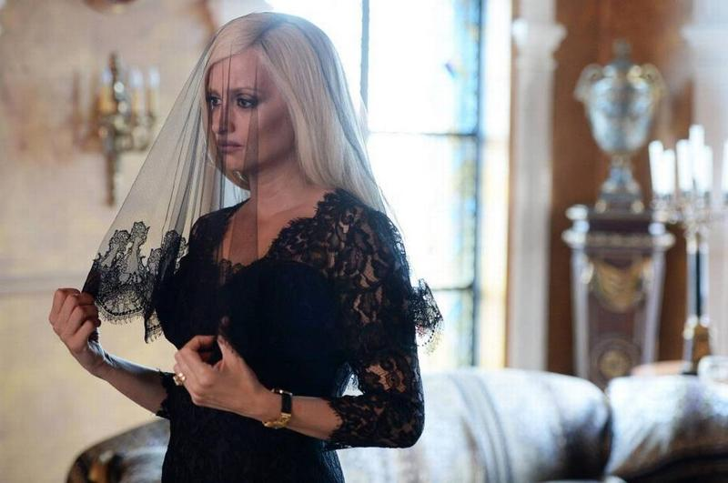See the glitz, glam and gore of South Beach — new trailer for Versace flick has it all.