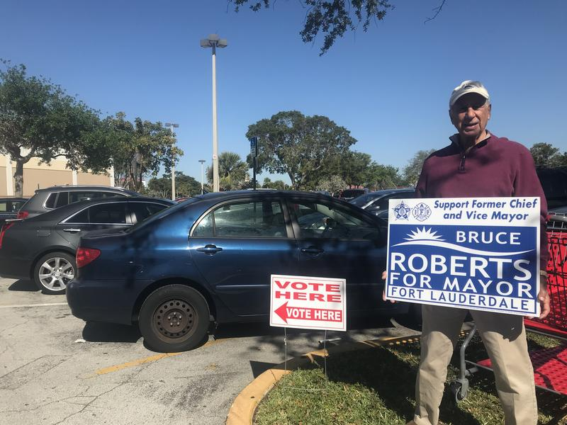 Canvassers at Coral Ridge Mall Poll