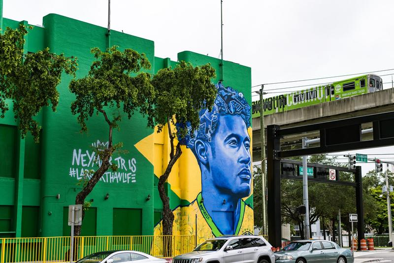 Mural of Brazilian fútbol player Neymar in Brickell.