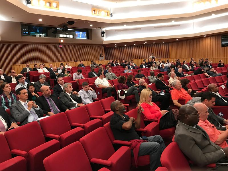 Most speakers during the meeting supported a Metrorail extension south.