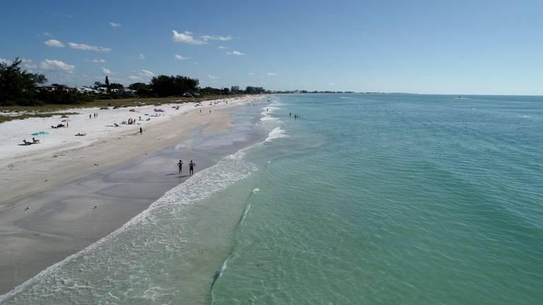 Red ted levels are at new lows off of Anna Maria Island and around Florida since a bloom began in October 2017.
