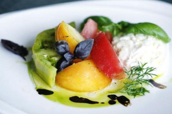 Tomato, basil and burrata salad at 1500 Degrees restaurant in Miami Beach