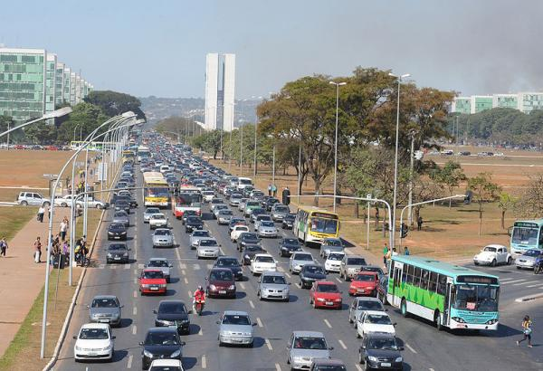 Brazilian carmakers, capitalizing on rising demand as the nation's middle class expands, are making a 10% profit these days, twice the global average.