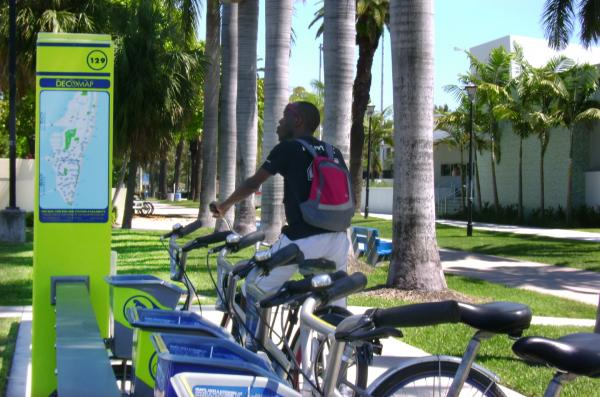 Flamingo Park in South Beach hosts two bike share stations.