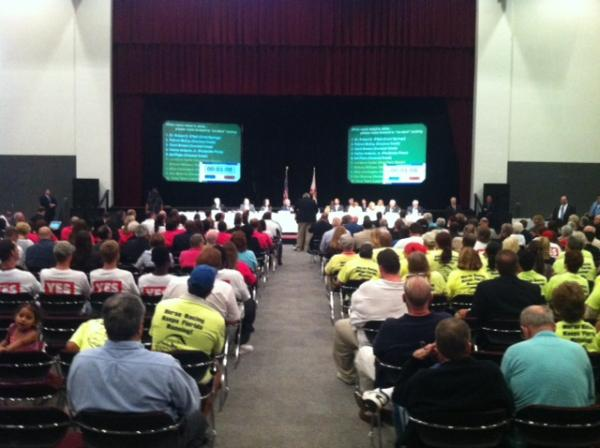 Hundreds gathered before the Senate Gaming Committee in Coconut Creek on Oct. 23 to express their thoughts on expanding gambling in Florida.