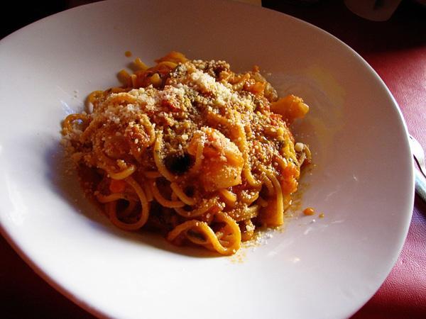 Spaghetti alla chitarra alla bolognese at Soya e Pomodoro