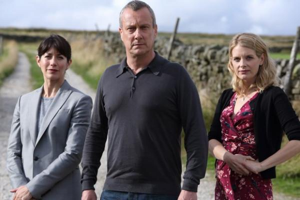 Above: DI Helen Morton (Caroline Catz), DCI Banks (Stephen Tompkinson), DS Annie Cabot (Andrea Lowe) star in season three of DCI BANKS.