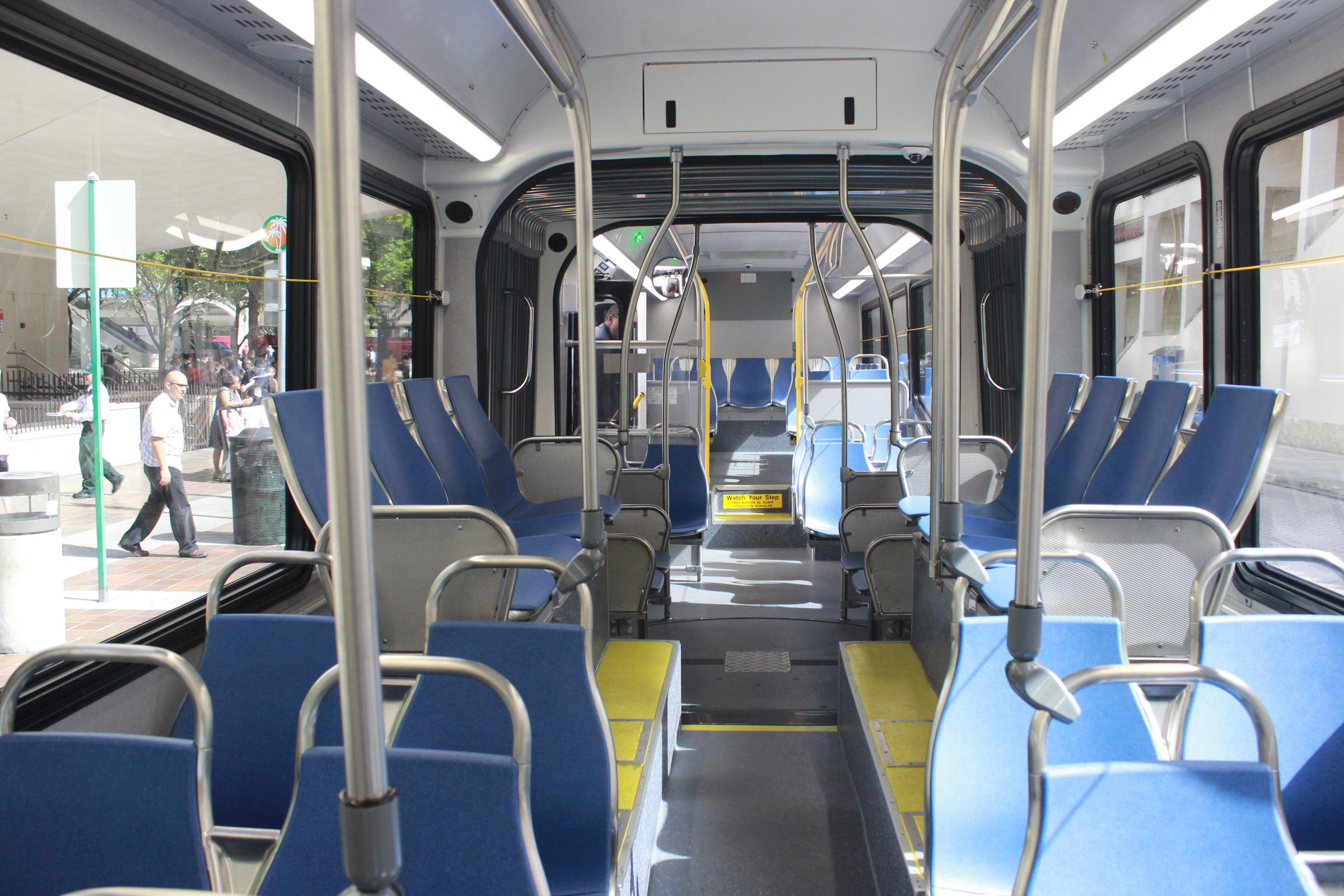 Miami Dade Transit Gets 40m Worth Of New Buses Wlrn