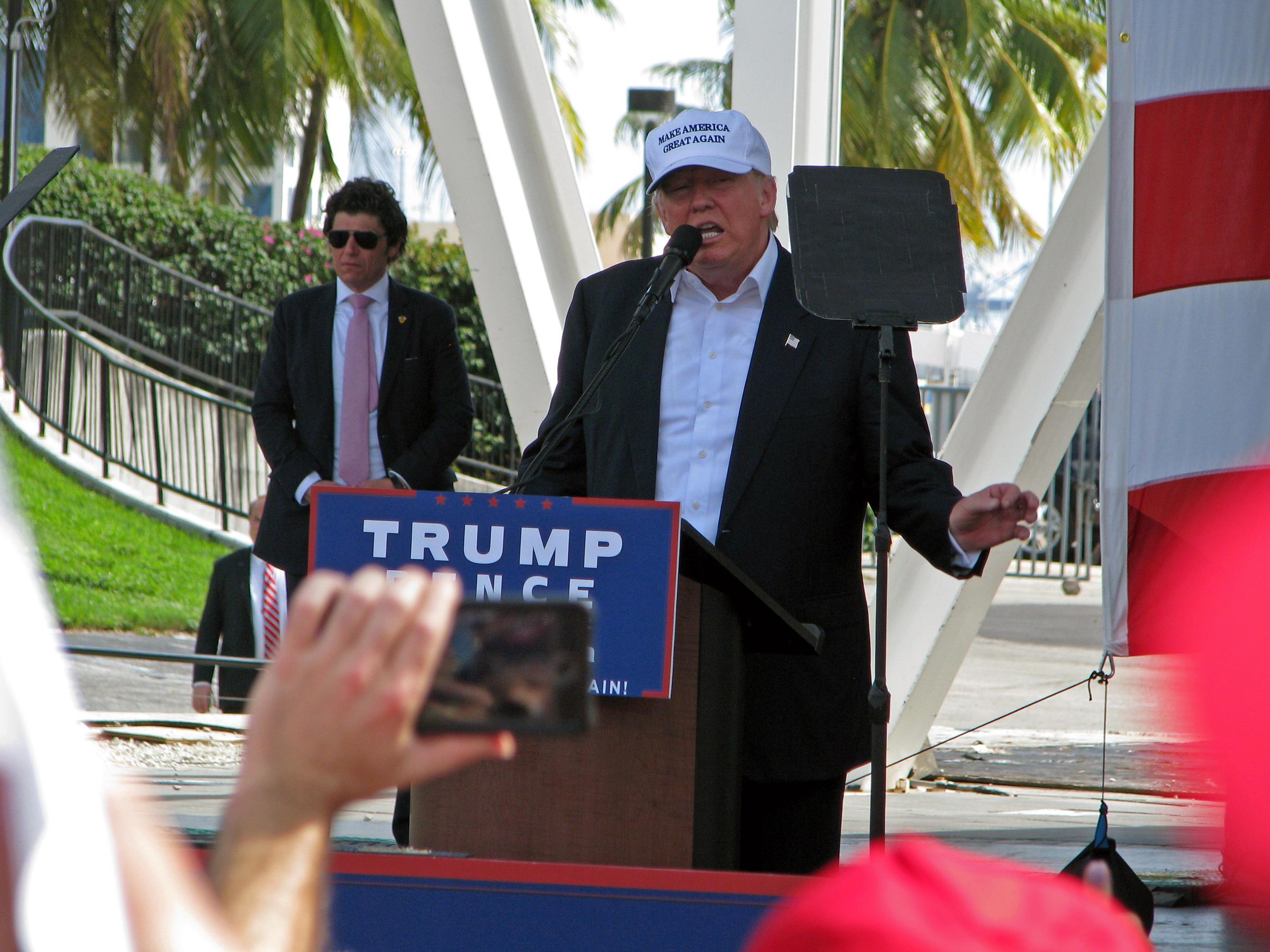 http://mediad.publicbroadcasting.net/p/wlrn/files/styles/x_large/public/201611/Trump2_kel.jpg