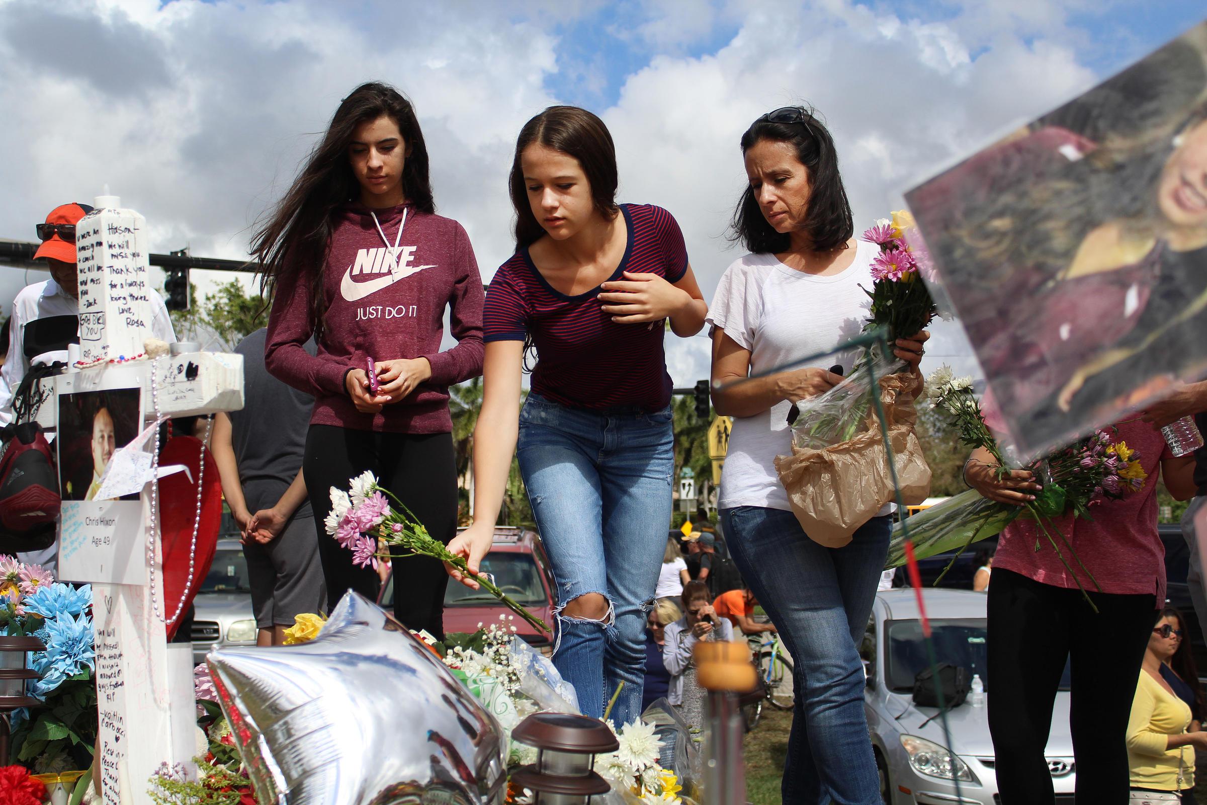 Florida students 'demand change' on gun laws