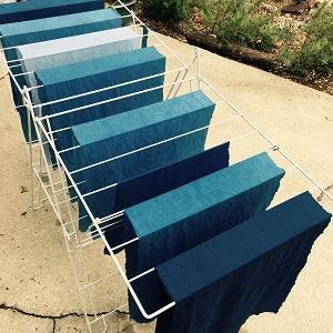 A drying rack for dyed cloth