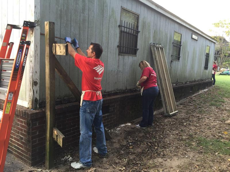 In October 2016, Bank of America Employees volunteered with United Way of Midlands, Central South Carolina Habitat for Humanity and Home Works of America to repair siding on a flood-damaged home in Columbia.