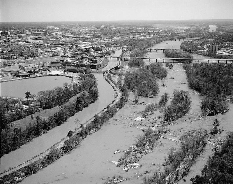 Photo of the Columbia Canal from the Archives of the Library of Congress