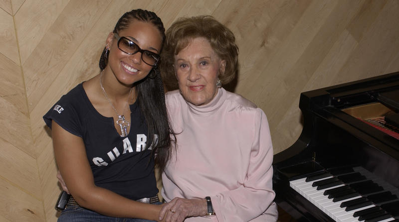 Alicia Keys with Marian McPartland in 2003