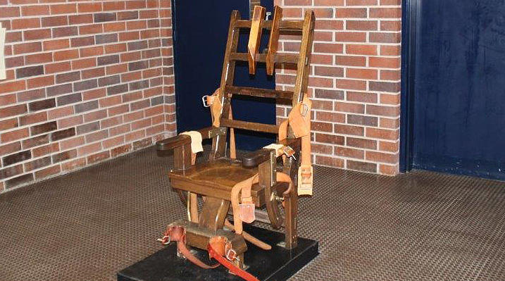 A law making its way through the state legislature would require the method of executing death row criminals to default to the electric chair in cases where lethal drugs are unavailable to the state.