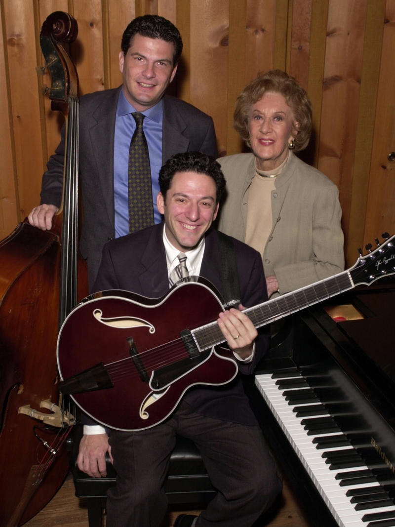 Marian McPartland with John Pizzarelli and Martin Pizzarelli, Avatar Recording Studios, NYC, 2001