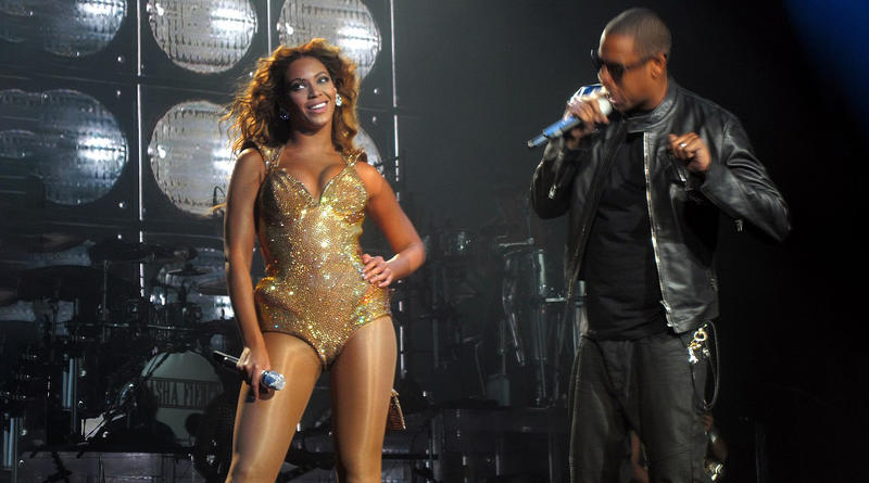 Beyoncé and Jay-Z will perform at Williams-Brice stadium on August 21 as part of their On the Run II Tour.