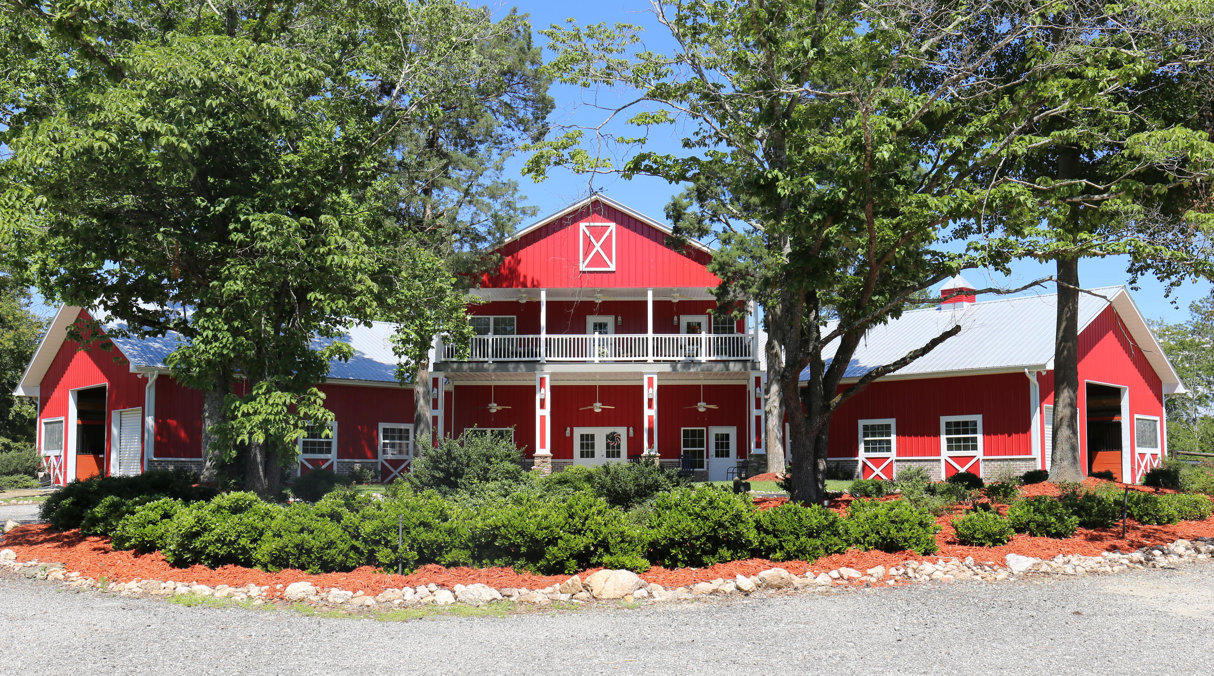 Narrative The Big Red Barn Offers Help For Veterans Dealing