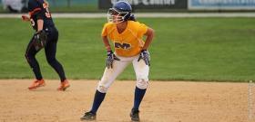 Senior infielder Stephanie Etter