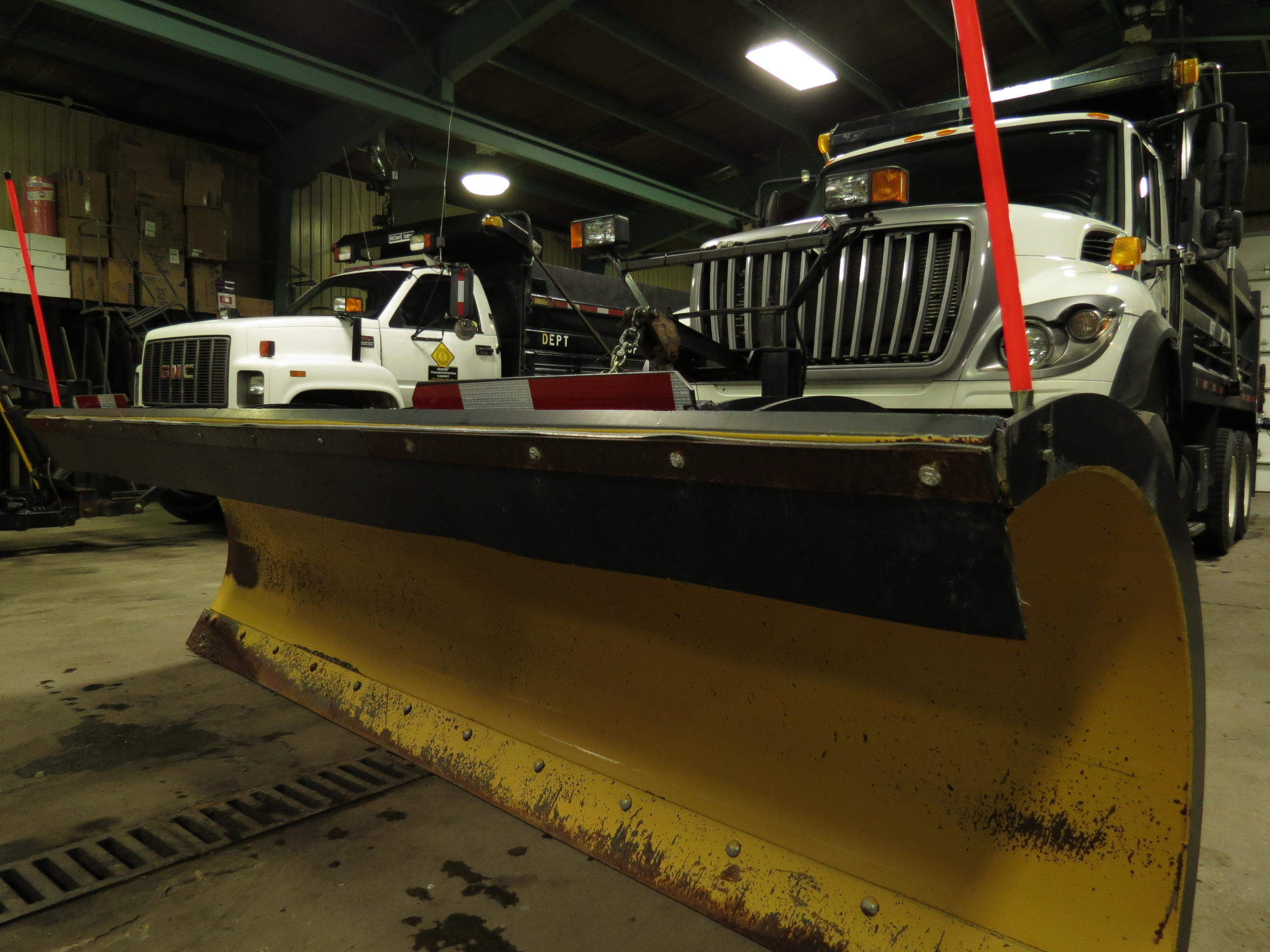 KYTC District 9 crews mobilizing before dawn Thursday for snow duty in northeast Kentucky