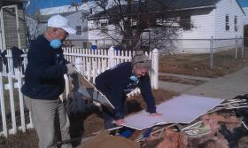 Nashvillians David and Beckie Durham are spending their Thanksgiving providing aid to Hurricane Sandy Survivors along the New Jersey shore.